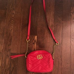 Handbags - Gucci crossbody